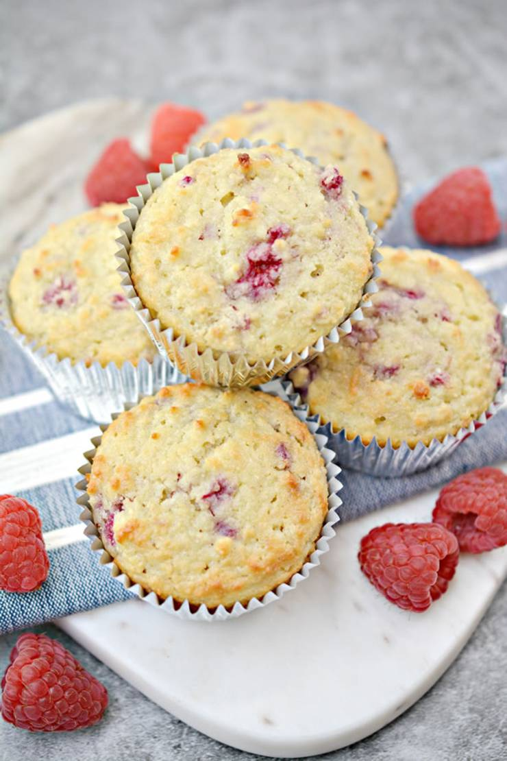 BEST Keto Muffins! Low Carb Raspberry Muffin Idea - Quick & Easy Ketogenic Diet Recipe - Completely Keto Friendly - Sugar Free - Gluten Free