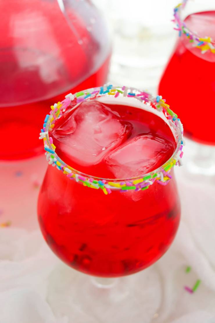Alcoholic Drinks - BEST Strawberry Cocktail Recipe - Easy and Simple On The Rocks
