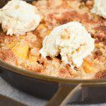 BEST Keto Peach Cobbler! Low Carb Keto Peach Cobbler Idea – Quick & Easy Ketogenic Diet Recipe – Completely Keto Friendly