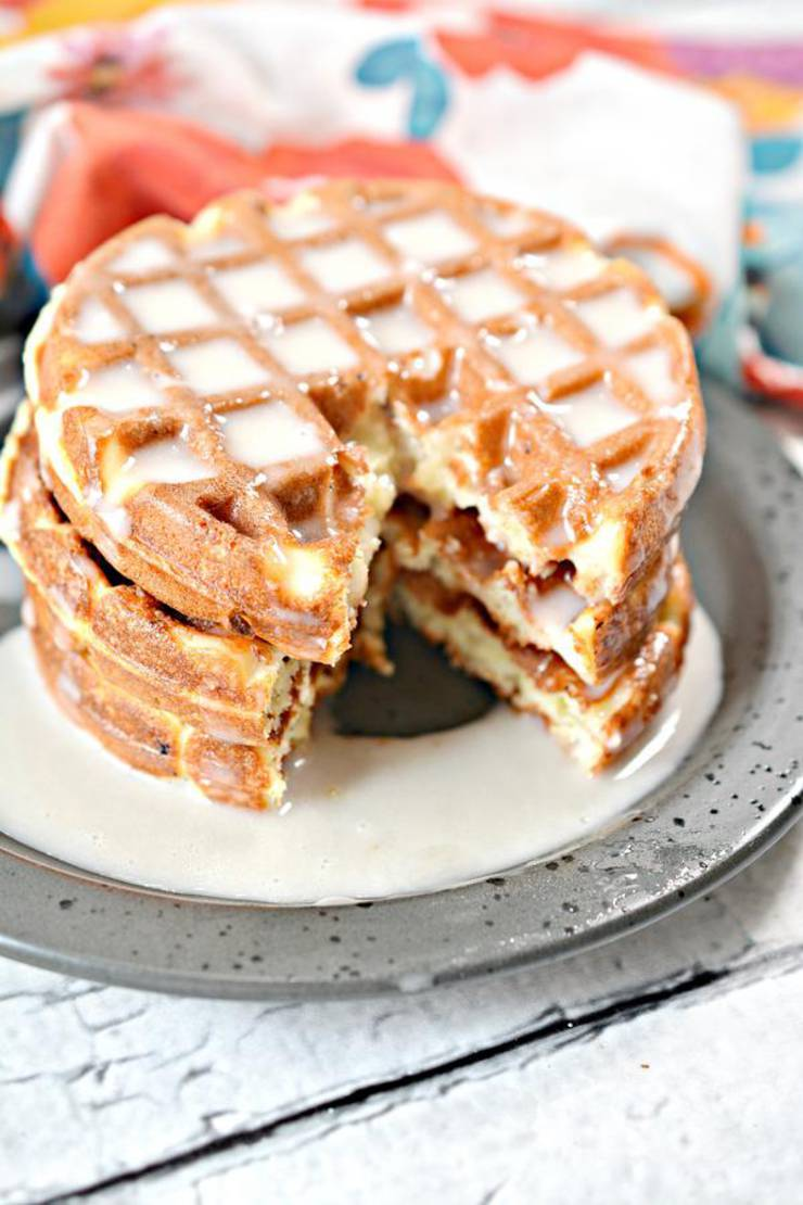 BEST Keto Chaffles! Low Carb Glazed Donut Chaffle Idea – Homemade – Quick & Easy Ketogenic Diet Recipe – Completely Keto Friendly