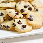 5 Ingredient Keto Cookies – BEST Low Carb Keto Chocolate Chip Shortbread Cookie Bites – Easy – Snacks – Desserts – Keto Friendly & Beginner