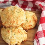 Copycat Red Lobster Biscuits – Easy Homemade No Yeast Biscuits – Dinner Rolls - BEST Bread Recipes – Eggless DIY Baking - Copycat Restaurant Recipes