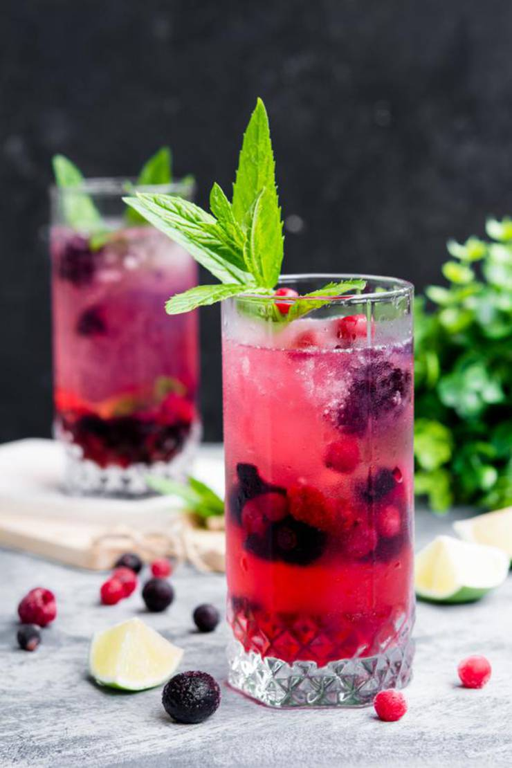 Keto Vodka Cocktail – BEST Low Carb Mixed Berry Vodka Recipe – EASY Ketogenic Diet Alcohol Drink Mix You Will Love