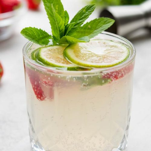 keto-strawberry-lime-cocktail