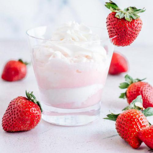 Alcoholic Drinks – BEST Strawberries and Cream Mudslide Cocktail Recipe – Easy and Simple Alcohol Drinks
