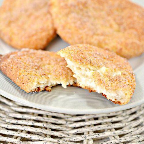Keto Cinnamon Cream Cheese Pockets – BEST Low Carb Keto Cream Cheese Recipe – Easy – Breakfast – Desserts – Keto Friendly & Beginner