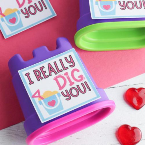 BEST Valentines For Kids - Free Printable Valentine - EASY DIY Kinetic Sand Valentines For School – Classroom – Non Candy Valentines